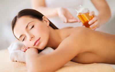 Körper- und Gesichtsöle sind das ideale Pflegeprogramm – auch für die Massage geeignet
